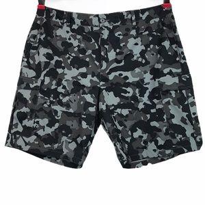 Under Armour Men's Camo Shorts Size 40